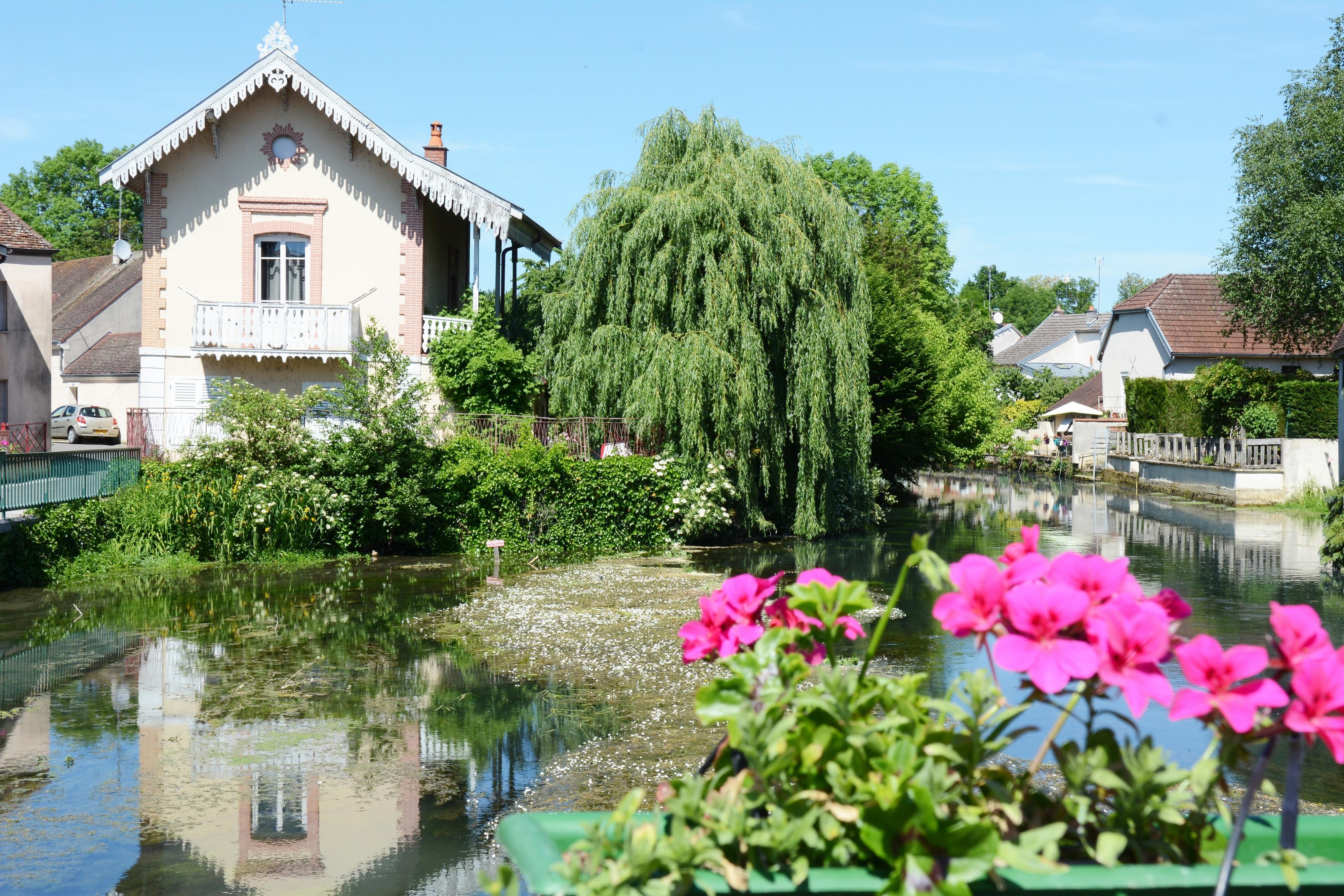 Balade touristique à Mirebeau-sur-Bèze