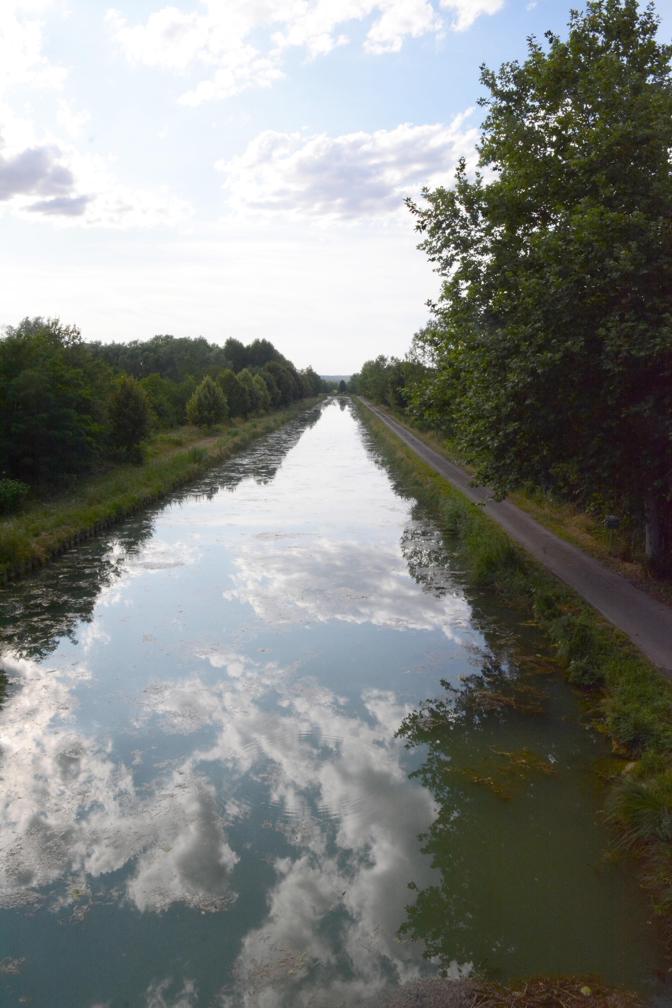 Jeu de miroir à Montigny-Mornay-La Villeneuve sur Vingeanne ©R. Krebel