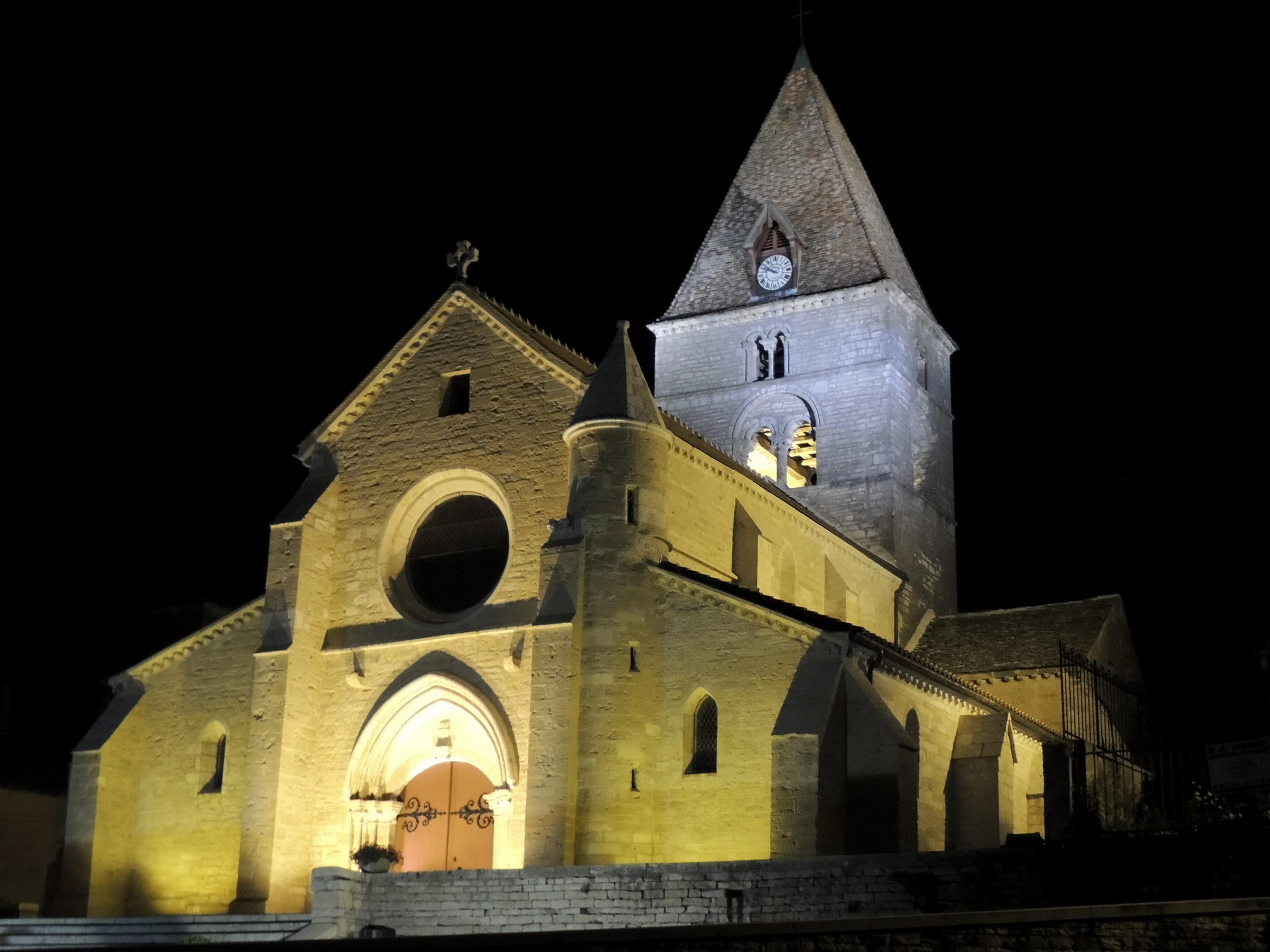 L'église de St Seine-sur-Vingeanne de nuit ©G. Berget