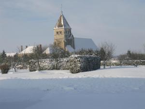 Reneve eglise sous la neige